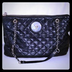 Dkny black quilted shoulder bag EUC